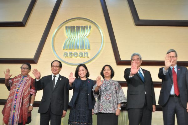 ASEAN, UN to promote gender equality through HeForShe campaign
