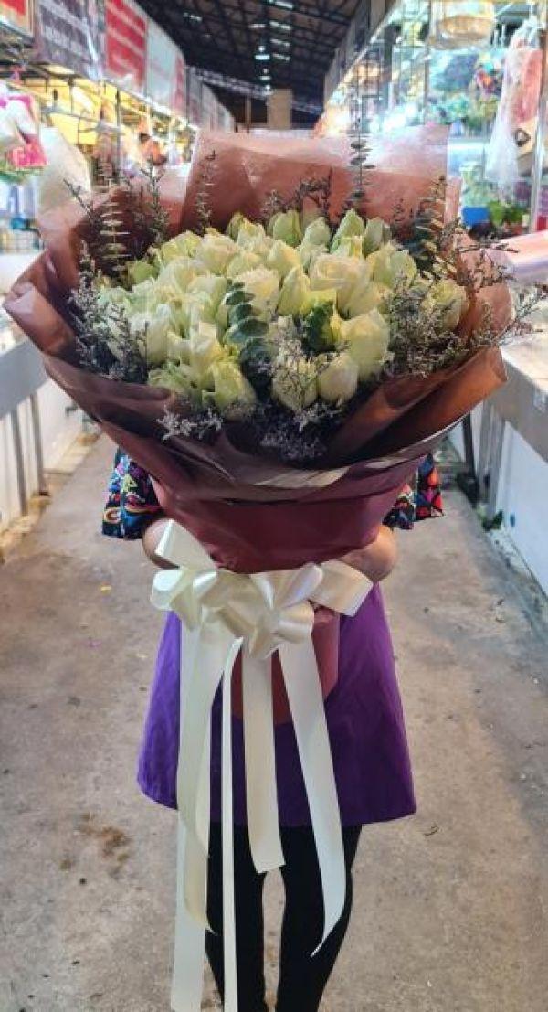 ร้านส่งดอกไม้ลำลูกกางานด่วนให้เราส่ง
