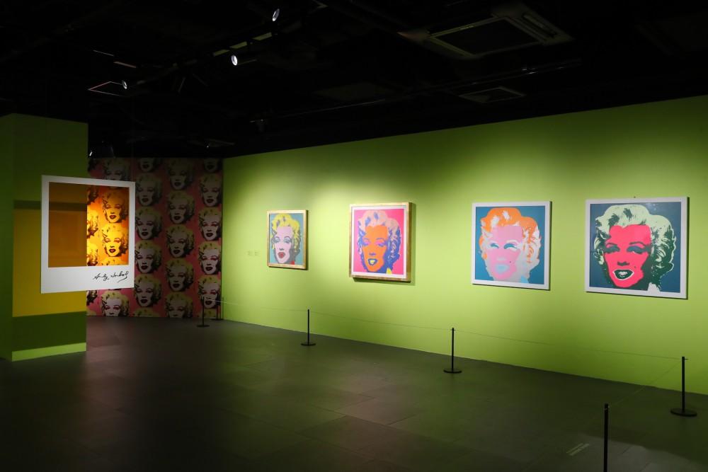 带同学们参观Andy Warhol: Pop Art波普艺术展览