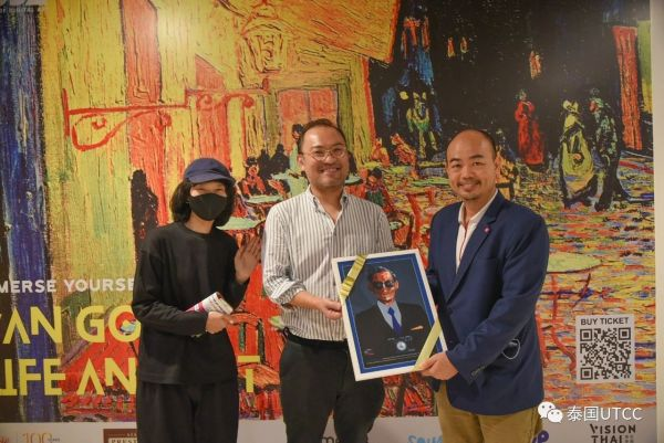 数字艺术与设计学院大一新生参加Andy Warhol Van Gogh Life and art展览