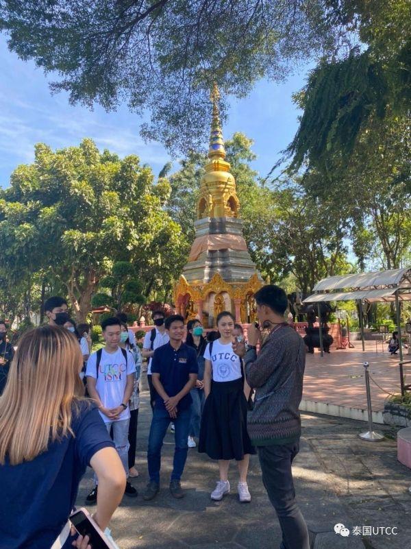 国际管理学院带领同学们参观爱侣湾大象博物馆