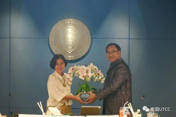 向泰国商会大学顾问莎瓦妮博士担任国家网络安全委员会办公室资深委员表示祝贺